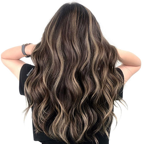 Long Hair Styles With Highlights
